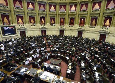 Macri logró un aplastante aval del Senado para pagarle a los buitres